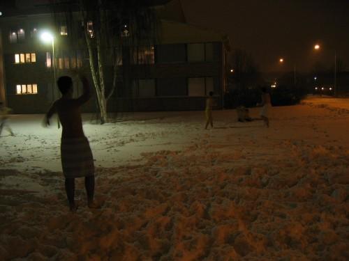 Bataille de neige, en linges