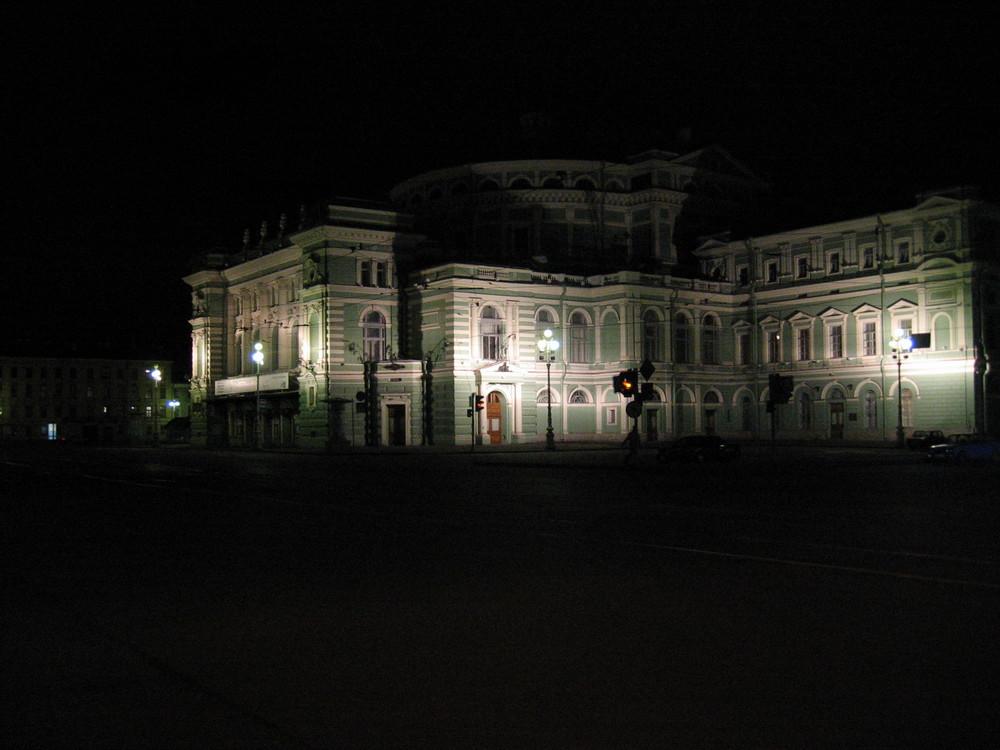 Le Théâtre Mariisky, de nuit
